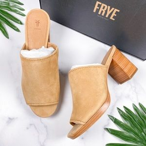 NIB Frye Blake Open Toe Block Heel Mule Sandal